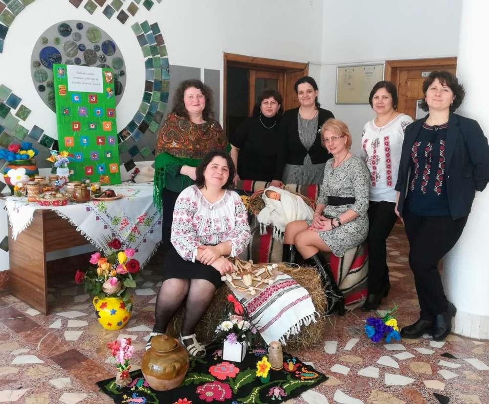 """Satul românesc, omagiat la Liceul Tehnologic Economic """"Virgil Madgearu"""" Iaşi"""
