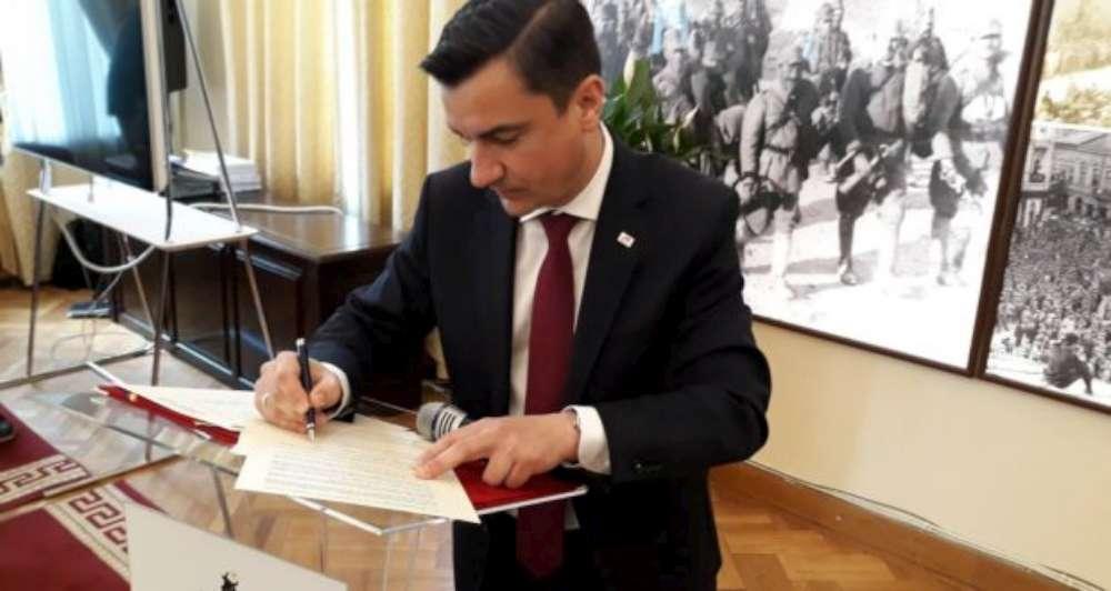 Mihai Chirica colectează semnături pentru un candidat independent la alegerile europarlamentare