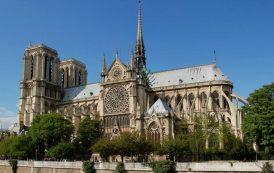 Istoricul Catedralei Notre-Dame din Paris. Constructia a început în 1163 si s-a încheiat după aproape 200 de ani