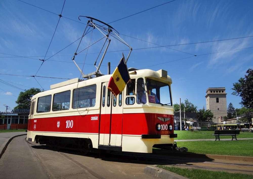 Tramvaiul Comunismului revine pe strazile Iasului! Proiectul cultural, condamnat la 10 ani de inchisoare de doi oportunisti din USR