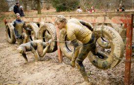 """Spectaculoasa cursă cu obstacole și noroi """"Asaltul Lupilor"""" la Iasi"""