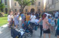 Protestul mamicilor a schimbat deciziile lui Chirica. Dosarele de înscriere în crese vor fi reevaluate