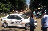 FOTO. Drum judetean blocat de o primarita PSD din Iasi, pentru a organiza zilele comunei. Gest prostesc, la o zi dupa o alta barbarie