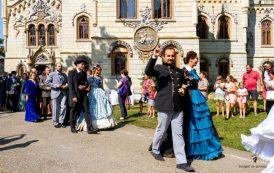 """Intoarcere în timp, într-o nouă """"Călătorie la 1900"""", la Castelul Miclăuseni"""
