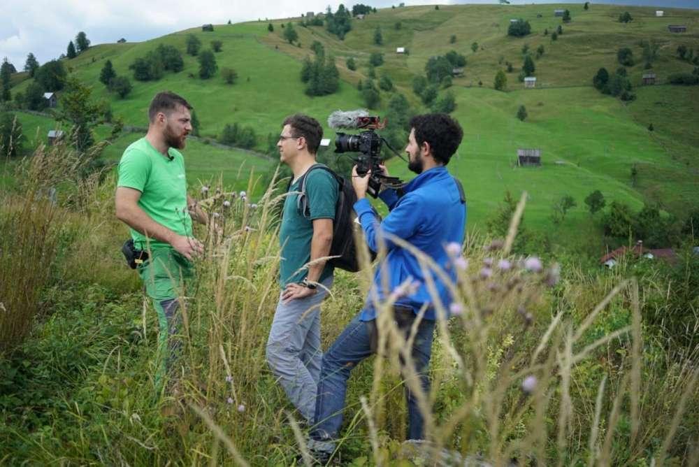 Jurnalisti agresati fiindcă documentau infractiuni forestiere semnalate de Greenpeace