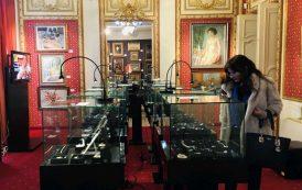 Bijuterii de Hollywood, la licitație în România