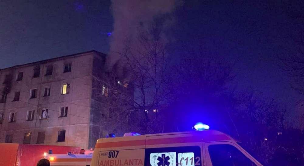 Incendiu din blocul fantoma din Cantemir. Un om a murit carbonizat