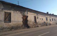 FOTO. Capcanele fatale ale Mitropoliei Moldovei și Bucovinei! Cu milioane de euro profit anual, MMB isi lasa cladirile sa cada peste ieseni