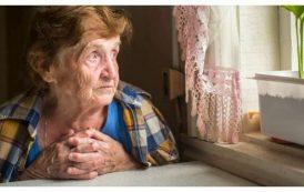 """Oameni in vreme de coronavirus! """"O paine pana la pensie!"""". Gestul impresionant al unei brasovence pentru o batrana de 83 de ani"""