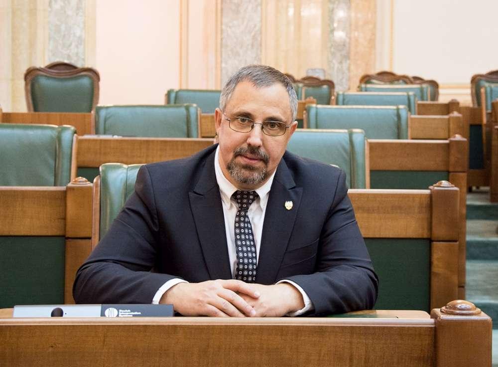 Dan Lungu: muncitorii români din afara țării au nevoie de protecția autorităților în contextul pandemiei
