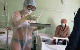 Asistenta care a tratat pacienți cu Covid-19 în lenjerie intimă a primit un rol de mode