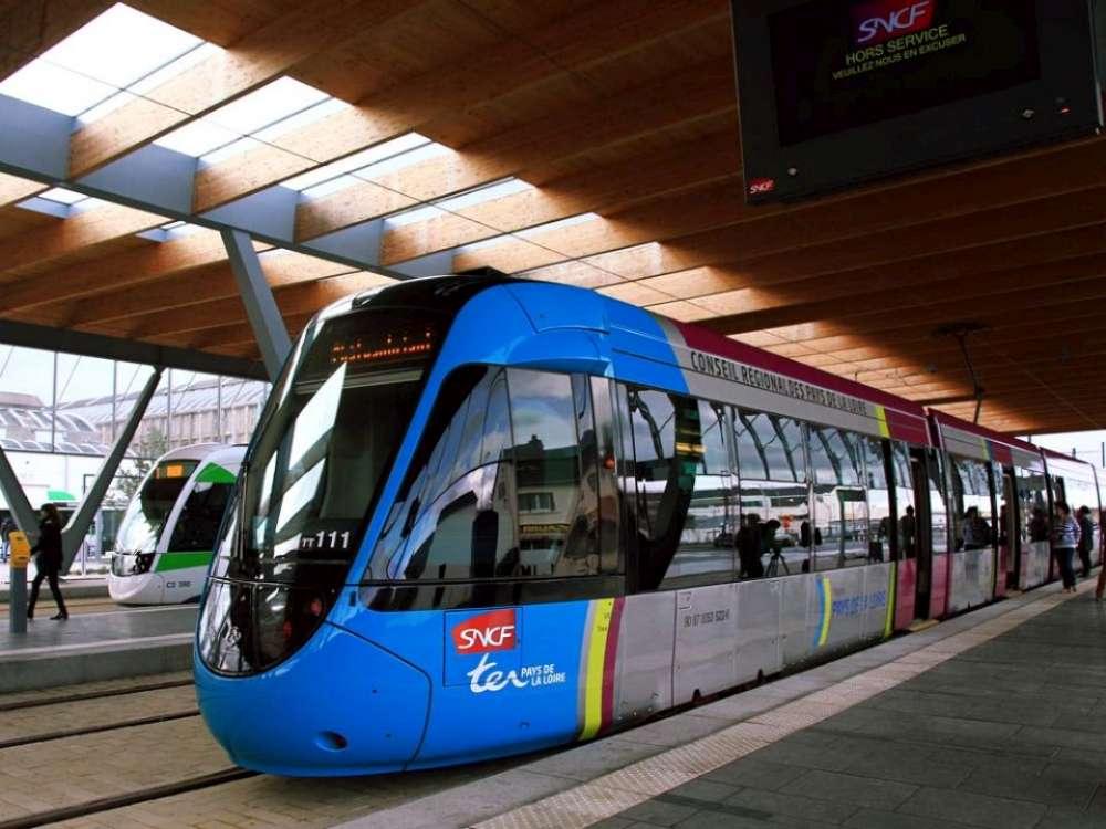 Iasul are liber la accesarea de fonduri europene pentru trenuri urbane, dar ii lipseste proiectul. Clujul a semnat deja primul contract