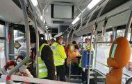De astazi: in autobuzele si tramvaiele din Iasi se va putea circula si in picioare
