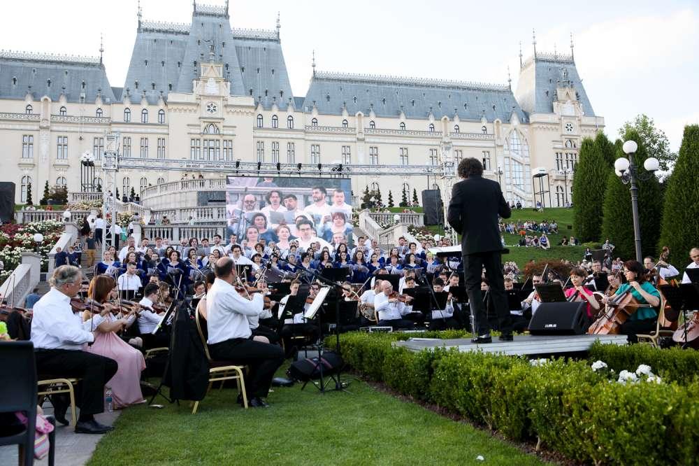 Concerte ale Filarmonicii si spectacole de teatru, la Amfiteatrul Palas