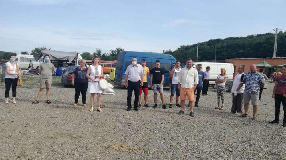Evul mediu: primarul din Schitu Duca  amenintă si agresează cetătenii comunei