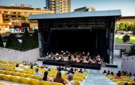 """Vibe-ul tinerilor se întâlnește cu nostalgia trecutului, la Palas: concert al """"Orchestrei de tineret a Iașului"""", demonstrații de robotică și obiecte vintage"""