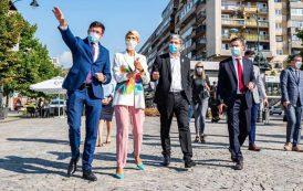 """""""Ministrul drujba"""" a gresit candidatura! Alexe le promite taranilor din Iasi cluster IT, parcuri tehnologice si usi deschise la Bruxelles"""