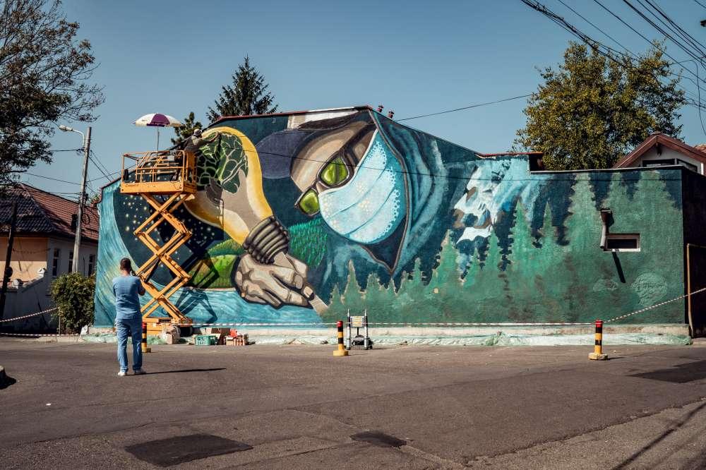 Mesaj de solidaritate pe zidul din fața Spitalului de Boli Infecțioase din Iași