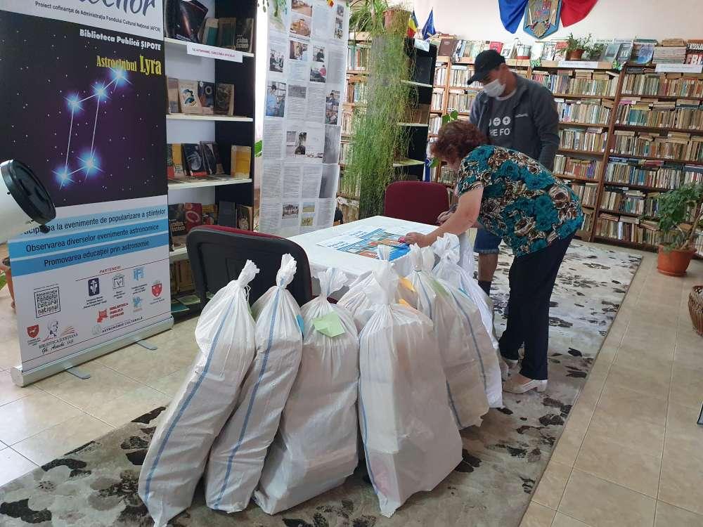"""""""Până hăt de carte"""", donatie de 470 de cărti la Sipote"""