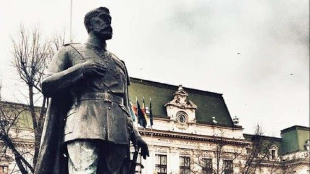 Ateneul Iasi cauta sculptor! Memorialul Regal de la Iasi va fi completat  de trei noi sculpturi ale unor personalităti simbol