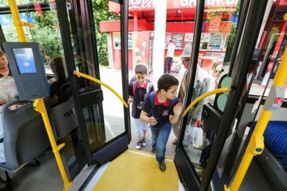 Curse speciale pentru elevi în transportul public, insotite de echipaje ale Politiei Locale