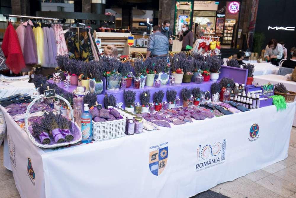 Iubitorii de articole tradiționale și handmade se întâlnesc la Produs de Cluj – 100% Românesc, la Palas