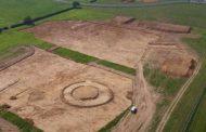 Un cimitir anglo-saxon, care conținea o comoară uriașă, a fost descoperit de arheologi