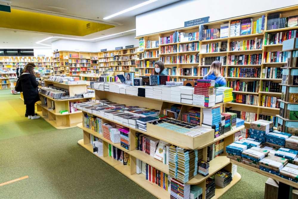 Pregătește-te de școală în magazinele din Palas și Iulius Mall Iași – noi colecții, final sales și premii la cumpărături
