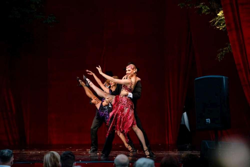 Opera Iași pune în vânzare bilete la două spectacole speciale