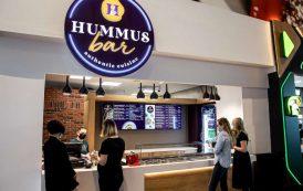 Hummus Bar a adus gustul oriental în foodcourt Palas