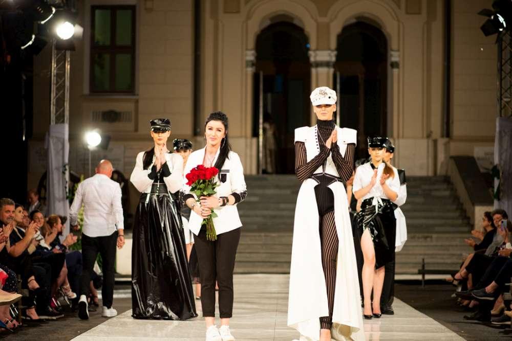 Regal international de teatru de moda la Palatul Ostirii din Iasi