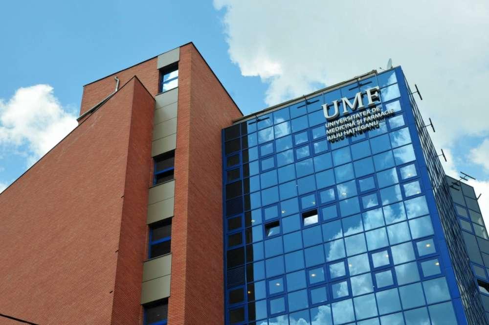 UMF Cluj interzice accesul absolvenților nevaccinați la festivitățile de absolvire