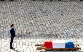"""Macron s-a recules la sicriul lui Belmondo. La noi, Caramitru si Patzaichin au fost ingropati fara ca nimeni din conducerea statului roman """"sa fie ca ei"""""""
