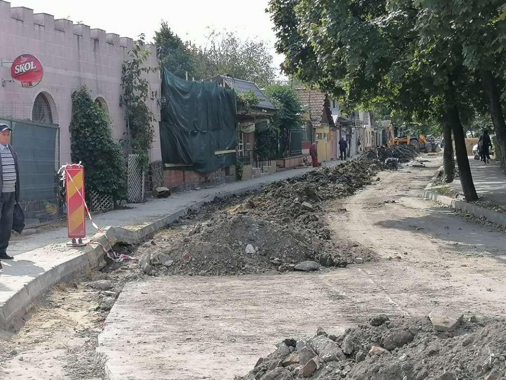 Strada din Iasi, distrusa de EON